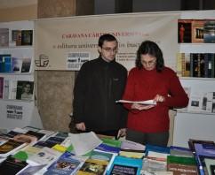 Liceenii vin acasă la Caravana Cărții Științifice